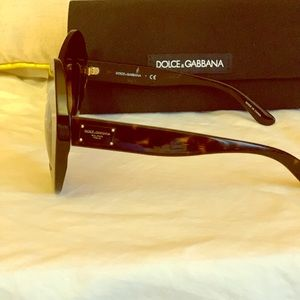 Dolce & Gabanna Womens sunglasses